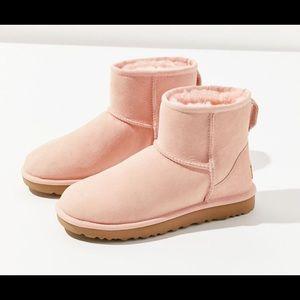 Classic mini 2 Genuine Shearling lined boot